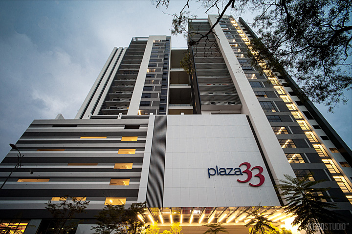 PLAZA 33